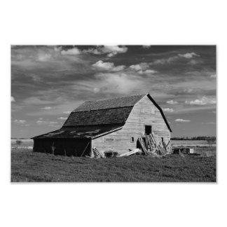 El granero viejo - negro y blanco fotografía