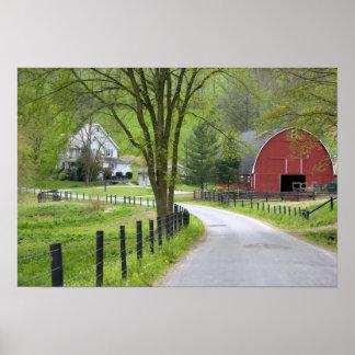 El granero y la granja rojos contienen cerca de Be Posters