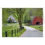 El granero y la granja rojos contienen cerca de Be Tarjeta De Felicitación