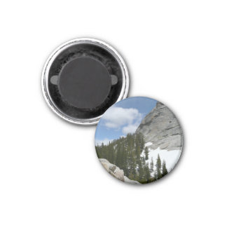 El granito Nevado de Yosemite cubre con una cúpula Iman