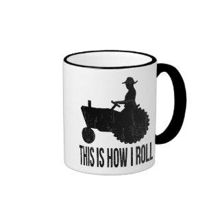 El granjero en el tractor esto es cómo RUEDO Taza