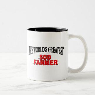 El granjero más grande del césped del mundo taza de dos tonos