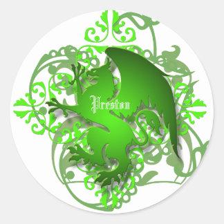 El grifo urbano del verde de la fantasía añade a pegatina redonda