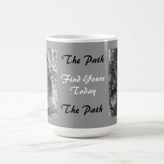 El gris de la taza de café de la trayectoria