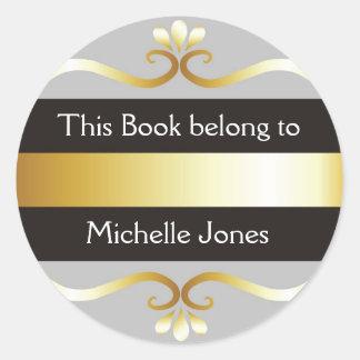 El gris plateado del oro este libro pertenece a pegatina redonda