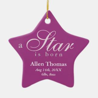 El gris púrpura una estrella es invitación nacida adorno navideño de cerámica en forma de estrella