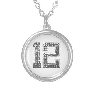 El gris se divierte el jersey #12 collar plateado
