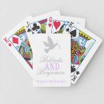 El gris se zambulló con los naipes púrpuras del no baraja de cartas