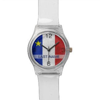 El Grunge apenado apellido acadiense de la bandera Relojes