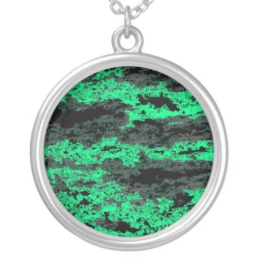 El Grunge verde se nubla el collar