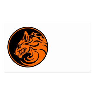 El gruñir círculo anaranjado y negro del lobo plantillas de tarjetas personales