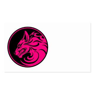 El gruñir círculo rosado y negro del lobo tarjeta de negocio