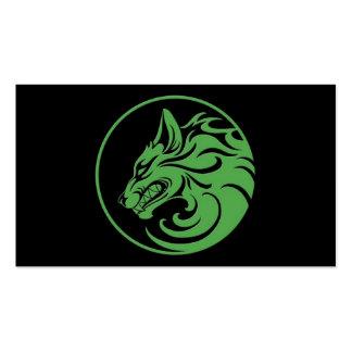 El gruñir círculo verde y negro del lobo plantilla de tarjeta personal