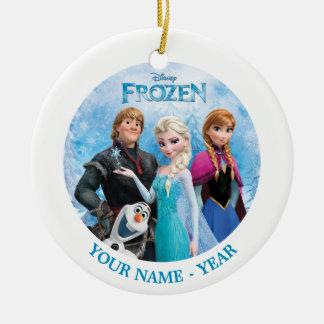 El grupo congelado personalizado añade su nombre adorno navideño redondo de cerámica