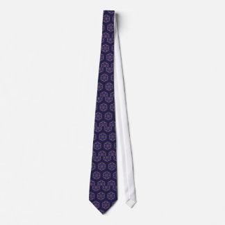 El guilloquis pescó púrpuras del modelo corbata