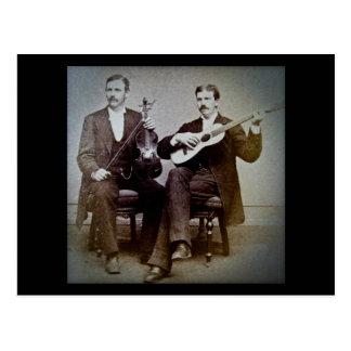 El guitarrista y el vintage del violinista postal