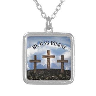 Él ha subido 3 cruces rugosas joyeria personalizada