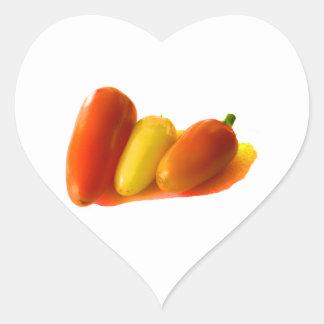 El habanero blanco de tres conos sazona amarillo colcomanias de corazon