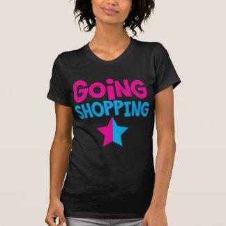 El hacer compras que va en rosa y azul remeras