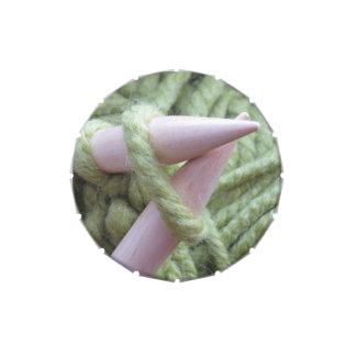 El hacer punto con hilado verde jarrones de dulces