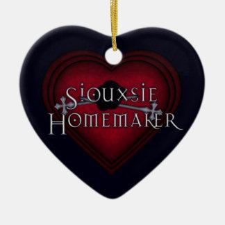 El hacer punto rojo del casero de Siouxsie Adorno De Cerámica En Forma De Corazón