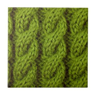 El hacer punto verde del cable tejas  cerámicas