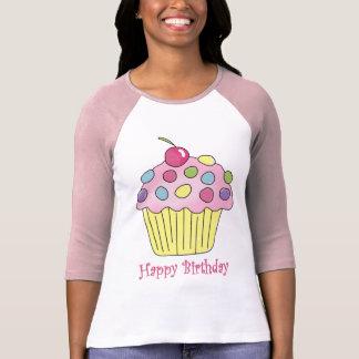 El helar rosado de la magdalena del cumpleaños camiseta