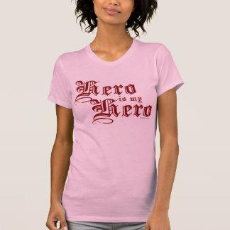 El héroe es mi camisa justa roja de la serie del