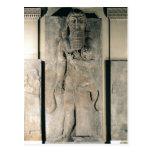 El héroe Gilgamesh que sostiene un león Postales