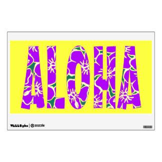 El hibisco púrpura de la hawaiana florece amarillo