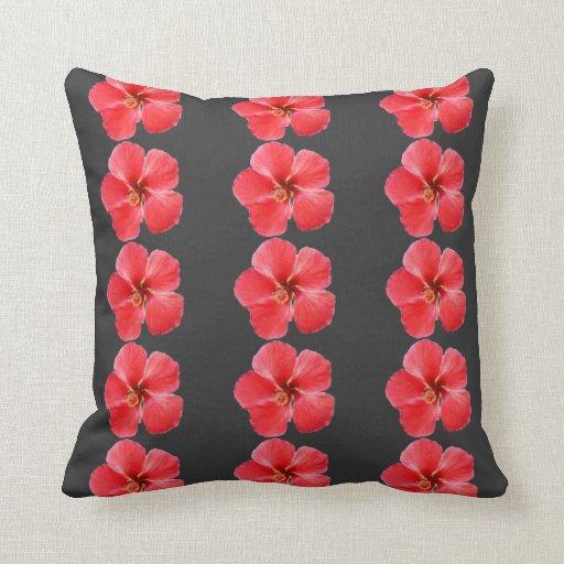 El hibisco rojo florece la almohada