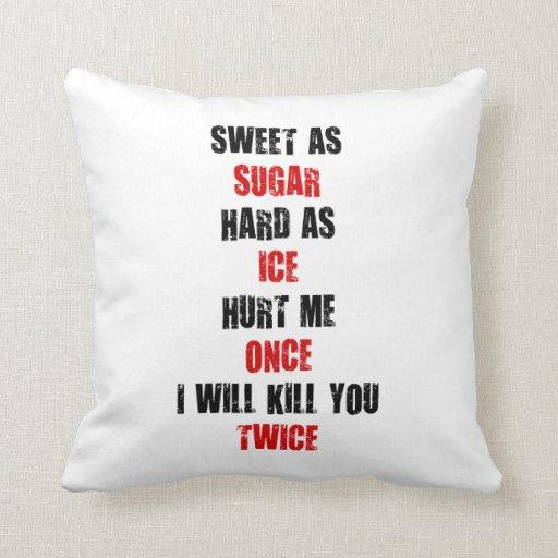 El hielo duro del azúcar dulce me dañó una vez que almohada