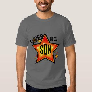El hijo estupendo refresca la camiseta de la poleras