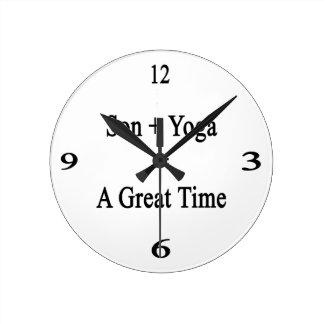 El hijo más yoga iguala un gran rato reloj redondo mediano