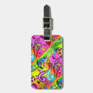 el hippie psicodélico maravilloso colorea la etiqueta de maleta