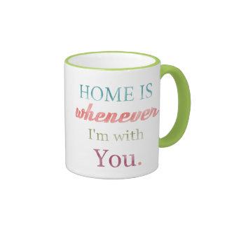 El hogar de la taza de la tarjeta del día de San