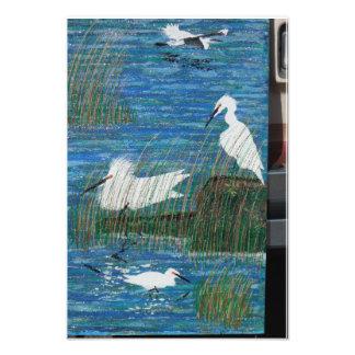El hogar enseñó egrets cojinete