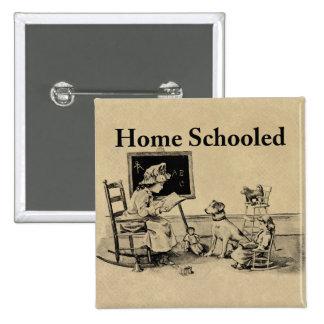 El hogar enseñó la ropa y los regalos pin