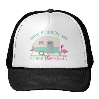 El hogar es adonde usted pone su remolque retro de gorras