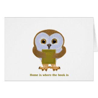 El hogar es donde está el libro tarjeta de felicitación