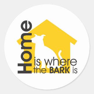 El hogar es donde está la corteza etiquetas redondas