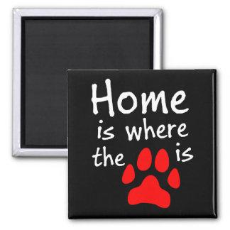 El hogar es donde está la impresión de la pata imán cuadrado