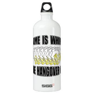¡El hogar es donde está la resaca! Botella De Agua