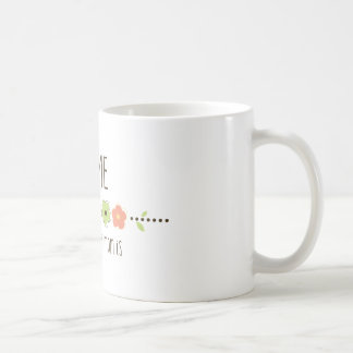 El hogar es donde está su mamá taza básica blanca