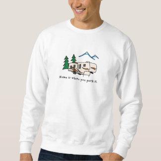 El hogar es donde usted lo parquea suéter