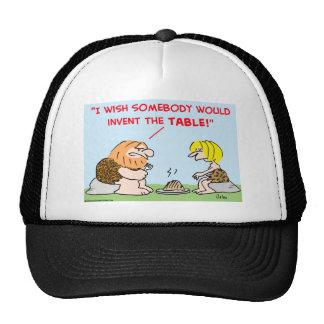 el hombre de las cavernas inventa la tabla gorras de camionero