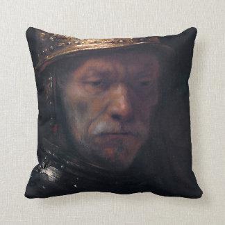 El hombre de Rembrandt en un casco de oro Cojin
