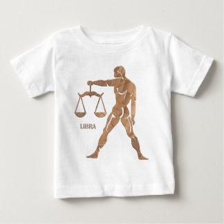 El hombre del músculo del libra escala el zodiaco playera
