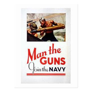 El hombre del vintage los armas, se une al recluta tarjetas postales