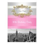 El horizonte BW 05 de NYC blanco, cumpleaños rosad Invitaciones Personalizada